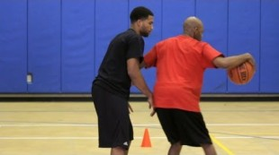 How to Do a Reverse Dribble | Basketball Moves
