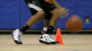 How to Do a Speed Dribble   Basketball Moves